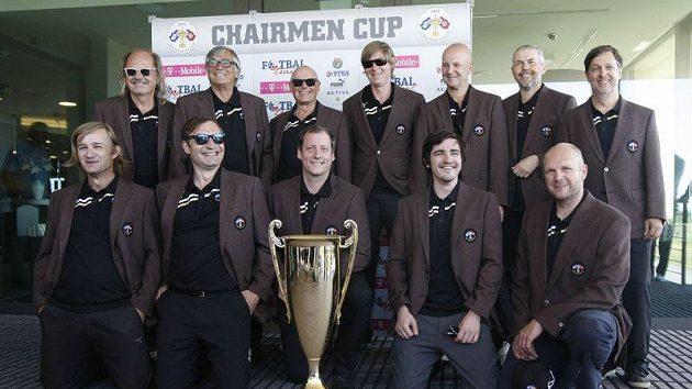 VIP osobnosti před zahájením golfového turnaje
