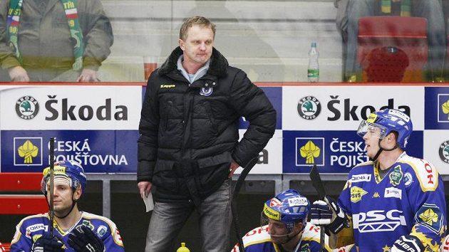 Trenér Zdeněk Venera na lavičce hokejistů Zlína