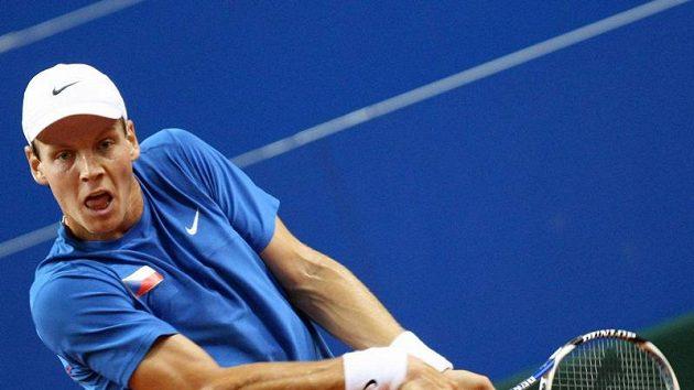 Tomáš Berdych v utkání Davis Cupu proti Marinu Čiličovi z Chorvatska