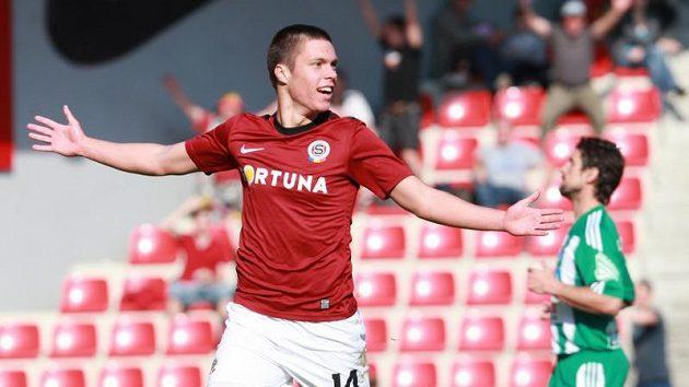 Václav Kadlec ze Sparty se raduje z gólu proti Bohemians