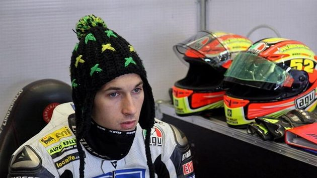 Mezi jednotlivými testovacími jízdami nesměl Lukáš Pešek vychladnout.