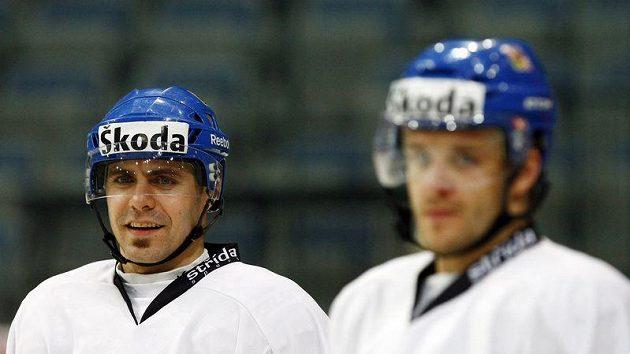 Tomáš Rolinek (vlevo) a Jan Marek na tréninku hokejové reprezentace