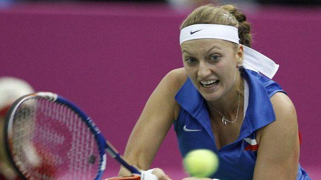 Petra Kvitová při utkání finále Fed Cupu s Ruskou Marií Kirilenkovou v Moskvě.