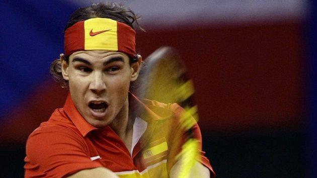 Rafael Nadal během utkání proti Tomáši Berdychovi při finále Davis Cupu.