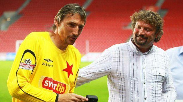 Brankář Slavie Martin Vaniak (vlevo) se loučí s kariérou.