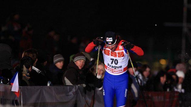 Milan Šperl během sprintu na Strahově při seriálu Tour de Ski.