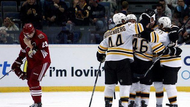 Radost hokejistů Bostonu.