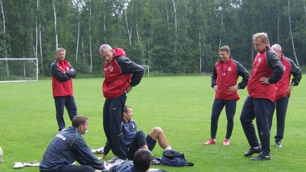 Brankáři a trenéři Sparty během přípravy ve Františkových Lázních.