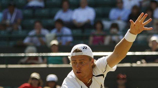 Australský tenista Lleyton Hewitt během čtvrtfinále Wimbledonu proti Andymu Roddickovi