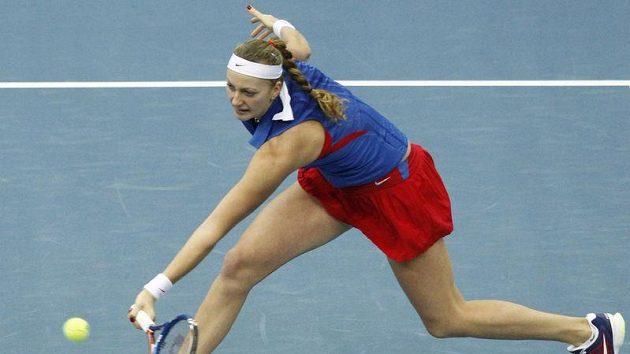 Petra Kvitová během utkání s Marií Kirilenkovou.