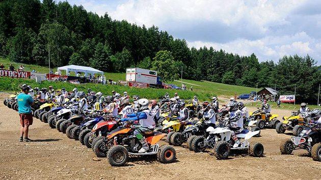 Závod MČR v cross country čtyřkolek v Mohelnici na Moravě.