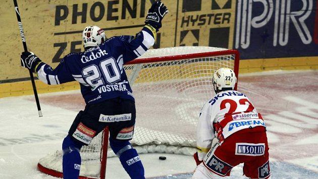 Pavel Vostřák se raduje z branky v utkání proti Slavii.