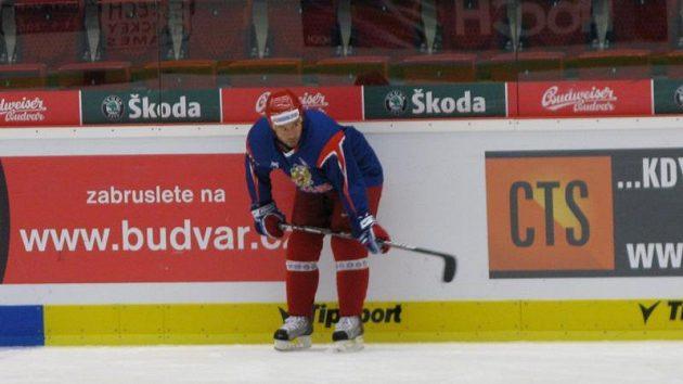 Maxim Sušinskij na tréninku ruských hokejistů