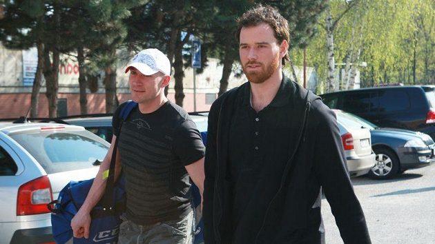 Martin Havlát (vpravo) a Karel Rachůnek míří na reprezentační sraz v Brně.