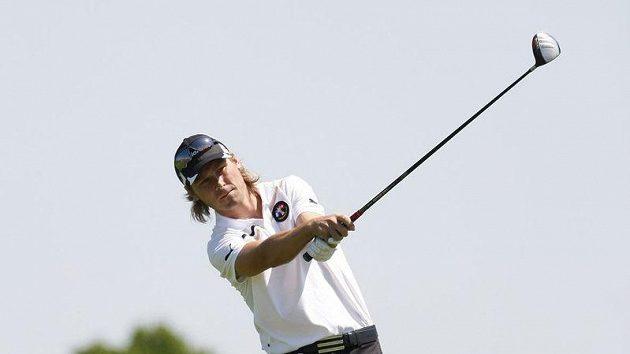 Bývalý fotbalista Pavel Nedvěd na golfovém hřišti