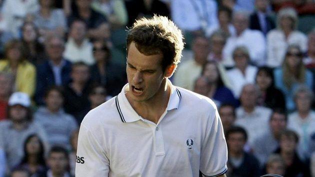 Britský tenista Andy Murray během prvního kola Wimbledonu