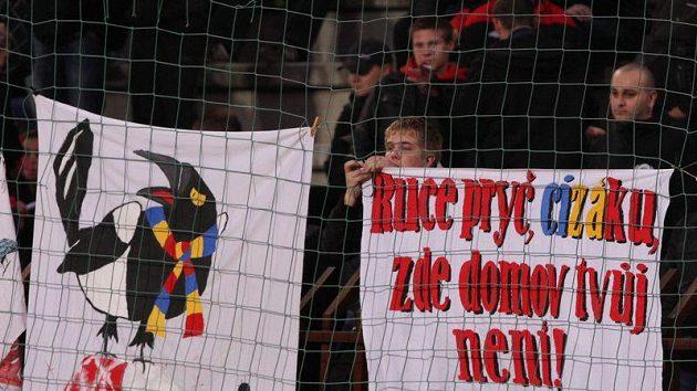 Protest fanoušků fotbalové Slavie proti trenérovi Strakovi