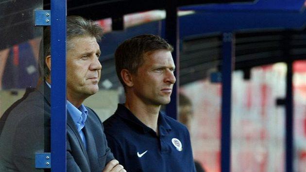 Kouč Sparty Jozef Chovanec (vlevo) a první trenér Martin Hašek.