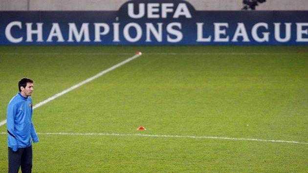 Lionel Messi při tréninku Barcelony v pražském Edenu na utkání Ligy mistrů proti Plzni.