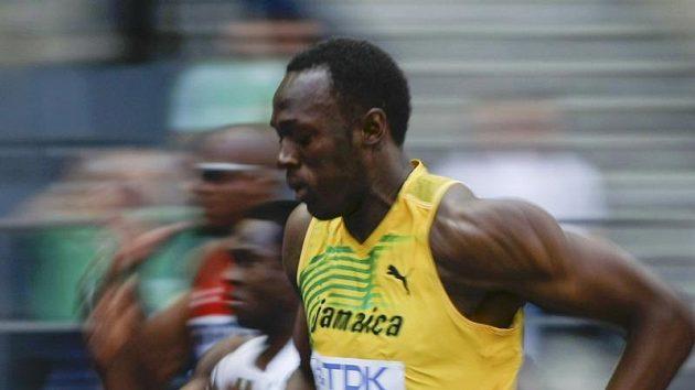 Jamajčan Usain Bolt během rozběhu na 100 metrů na atletickém MS v Berlíně