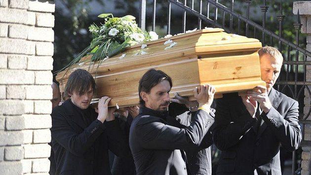 Za účasti rodiny a stovek přátel, hokejových reprezentantů a hokejistů z ČR i zahraničí proběhl na havlíčkobrodském hřbitově pohřeb hokejisty Josefa Vašíčka.