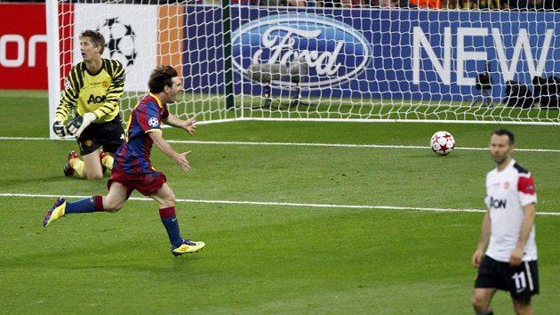 Lionel Messi se raduje ze svého gólu.