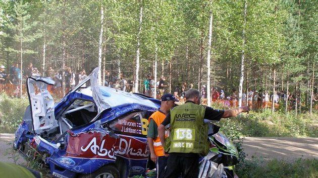 Nehoda Mikko Hirvonena během první etapy Finské rallye
