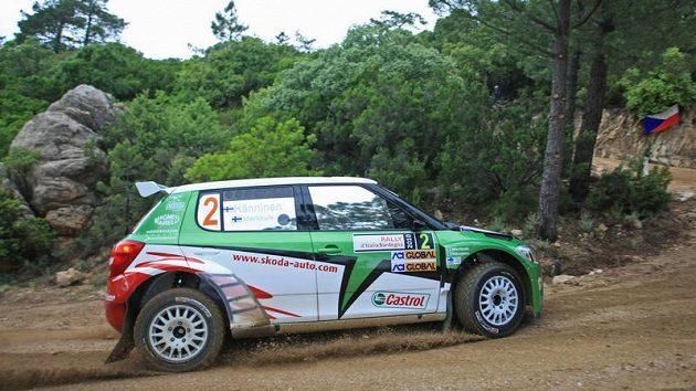 Juho Hänninen s vozem Škoda Fabia S2000 při Italské rallye na Sardinii.