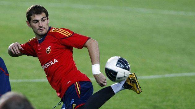 Španělský brankář Iker Casillas na tréninku