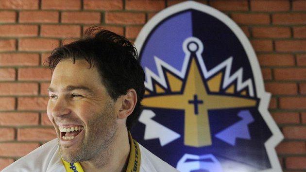 Jaromír Jágr s novým logem Kladna v pozadí