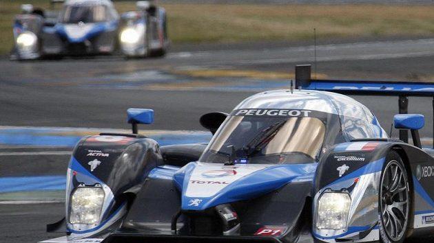 Franck Montagny z Francie s Peugotem 908 HDI FAP v závodě 24 hodin Le Mans