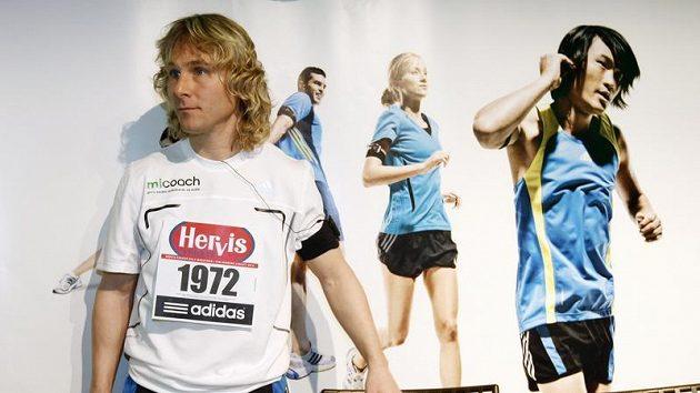 Pavel Nedvěd dostal pro pražský půlmaraton startovní číslo 1972 podle svého roku narození.