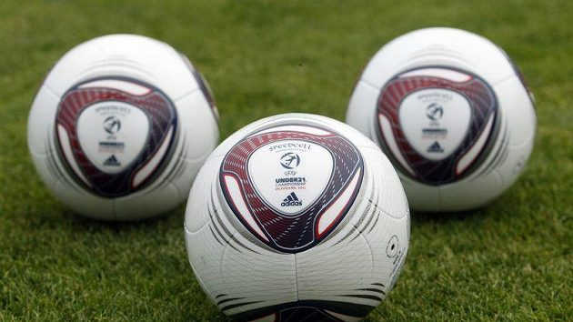 Oficiální míče mistrovství Evropy fotbalistů do 21 let v Dánsku