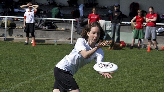 Letos je poprvé součástí kvalifikačních turnajů i samostatná ženská kategorie.