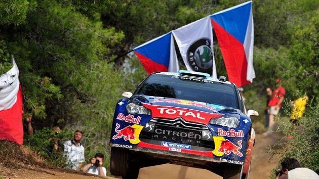 Sébastien Ogier se Citroënem na trati Rallye Akropolis.