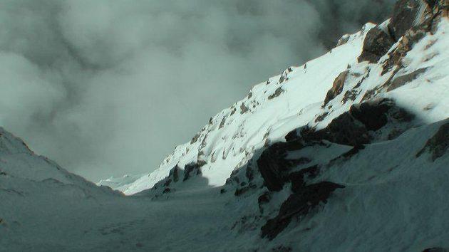 Pohled do údolí bere v jižní stěně Nanga Parbatu dech.