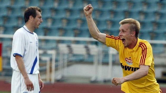 Tomáš Berger střílí vedoucí gól do sétě Kladna