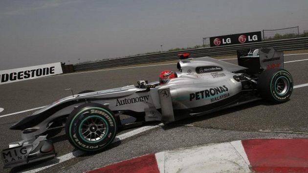 Co se stalo se Schumacherem? Na tuto otázku hledá odpověď laická i odborná veřejnost.