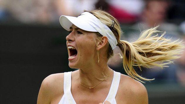 Ruská tenistka Maria Šarapovová během prvního kola Wimbledonu