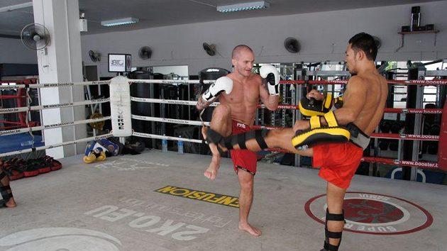 Michal Hamršmíd při tréninku v Thajsku.