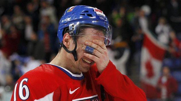 Zklamaný Petr Čajánek po vyřazení českého týmu z olympijského turnaje ve čtvrtfinále od Finska.