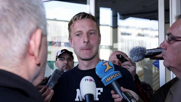 Bývalý hráč Bohemians David Zoubek po slyšení před disciplinární komisí, která se snažila vyřešit údajnou korupci ze strany Sigmy Olomouc.