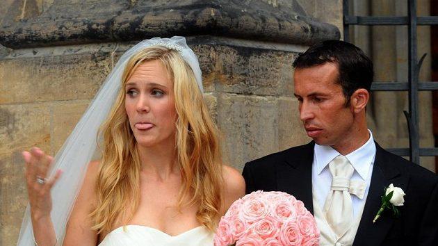 Tenista Radek Štěpánek vstoupil do svazku manželského s bývalou tenistkou Nicole Vaidišovou v katedrále sv. Víta v Praze.