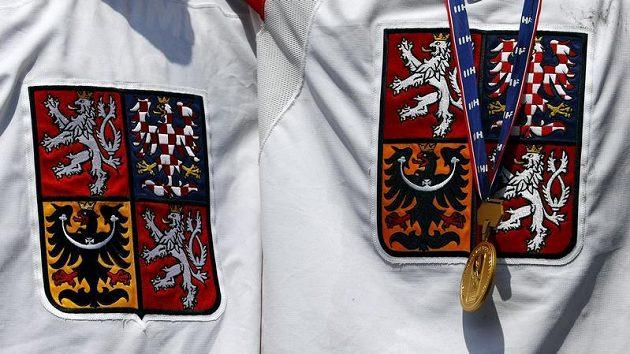 Zlaté medaile českých hokejistů z mistrovství světa