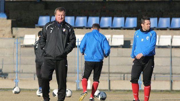 Plzeňský trenér Pavel Vrba a kapitán týmu Pavel Horváth na tréninku před zápasem se Spartou.
