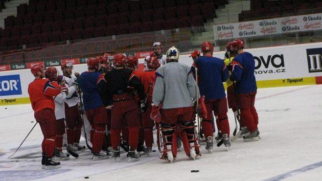 Trénink ruských hokejistů před zápasem s Českem