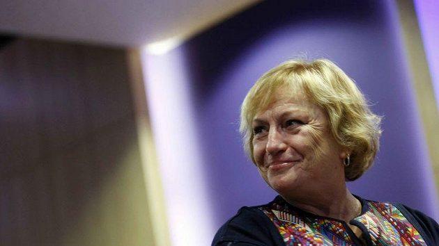 Věra Čáslavská při dekorování armádních sportovců roku.