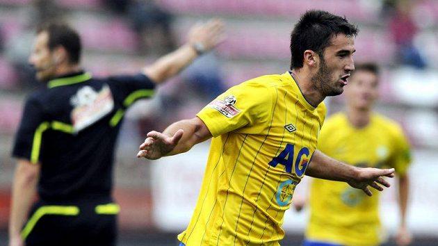 Aidin Mahmutovič z Teplic se raduje z gólu.