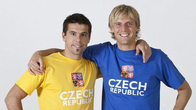 Novou fanouškovskou kolekci předvádějí Milan Baroš a Radoslav Kováč.