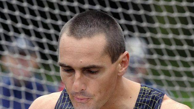 Desetibojař Roman Šebrle před hodem diskem během závodu v Kladně